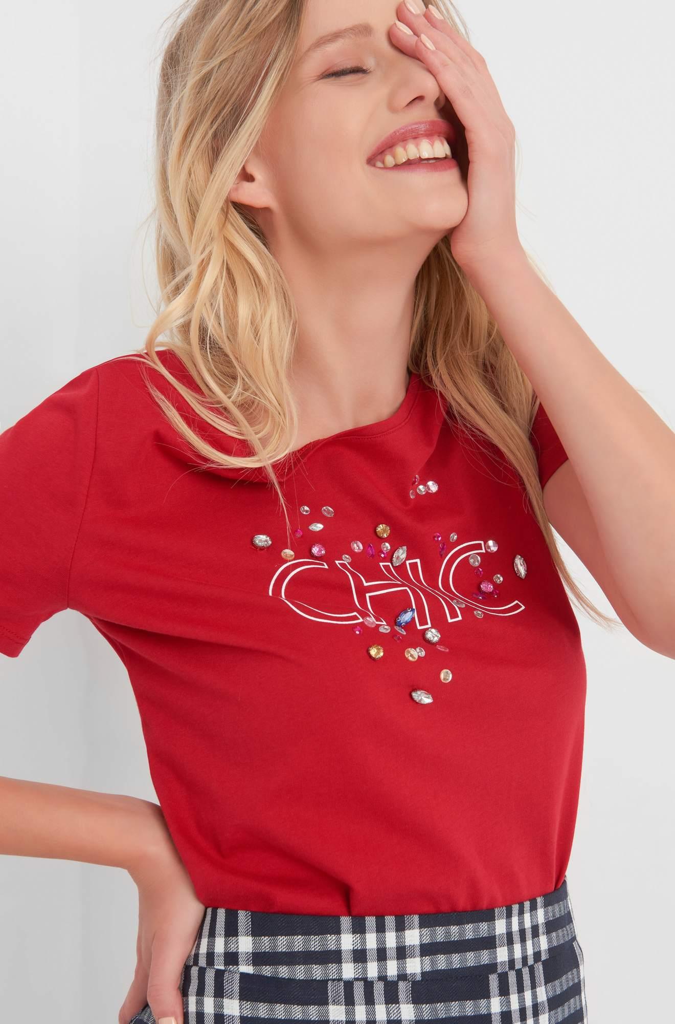 T-Shirt mit Schmucksteinen