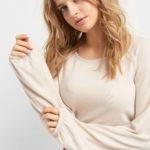 Pullover mit Schleifenbändern