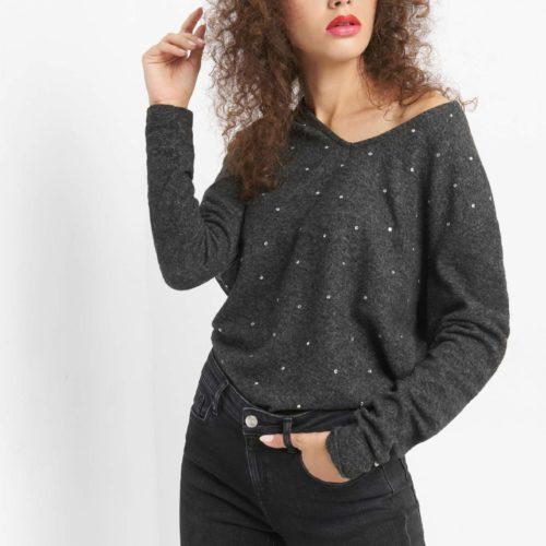 Pullover mit Schmucksteinchen