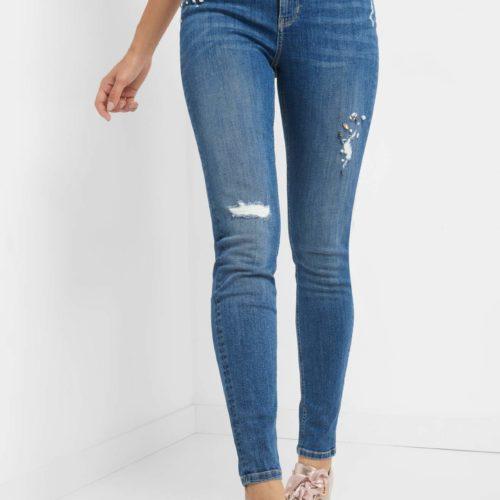 Jeans mit Glitzersteinen