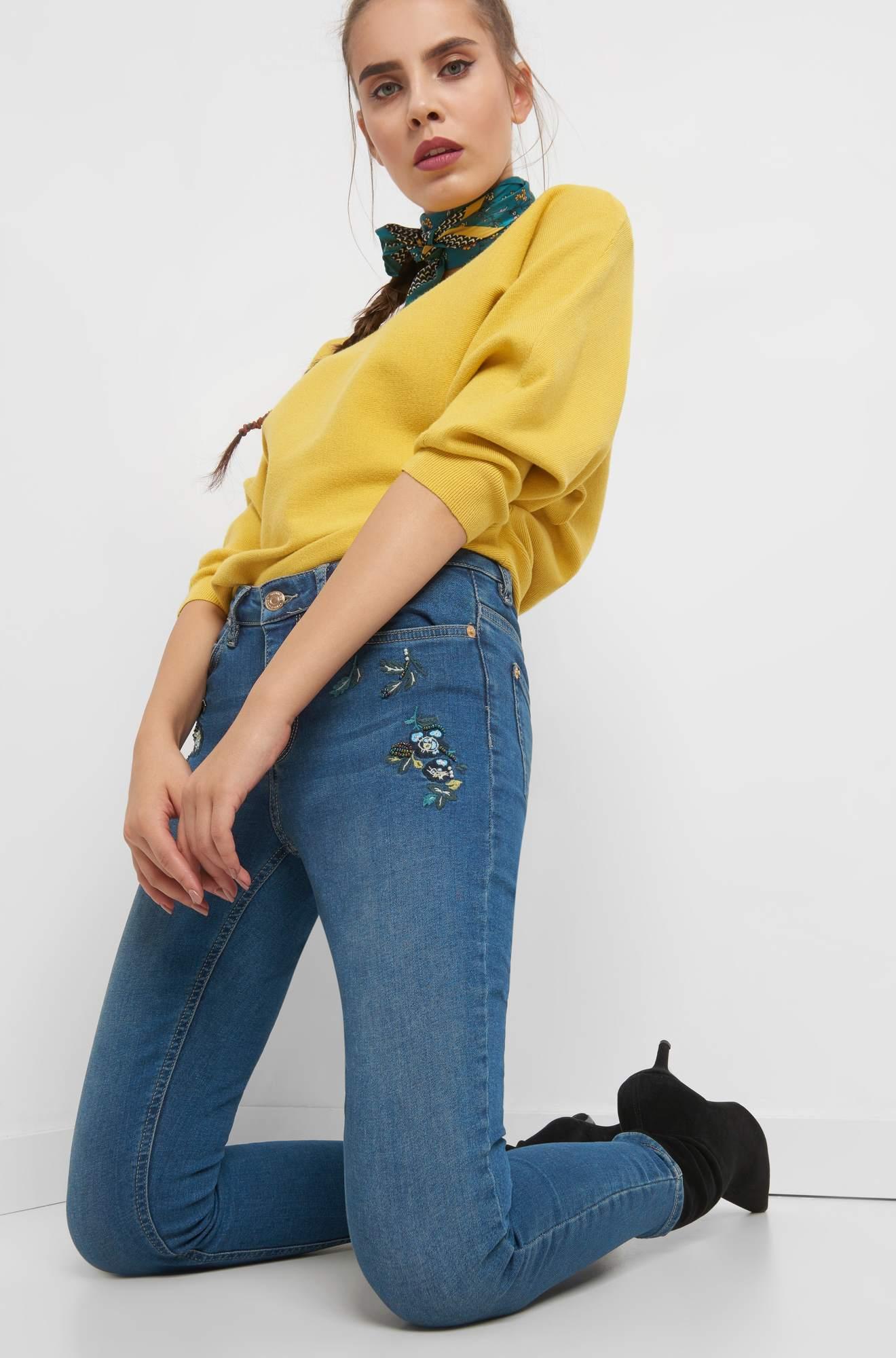 Skinny Jeans mit Applikation