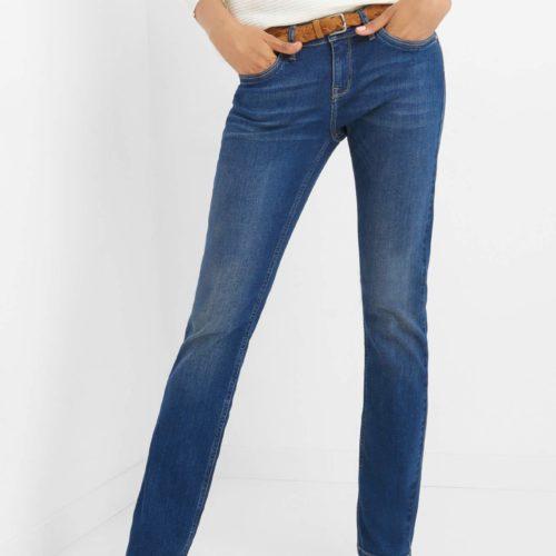 Jeans mit Flechtgürtel