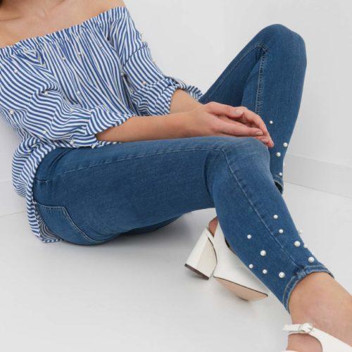 Skinny Jeans mit Schmuckperlen