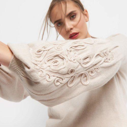 Pullover mit 3D-Stickerei