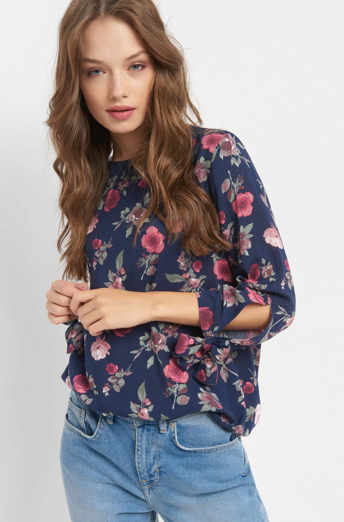 Blumen-Bluse