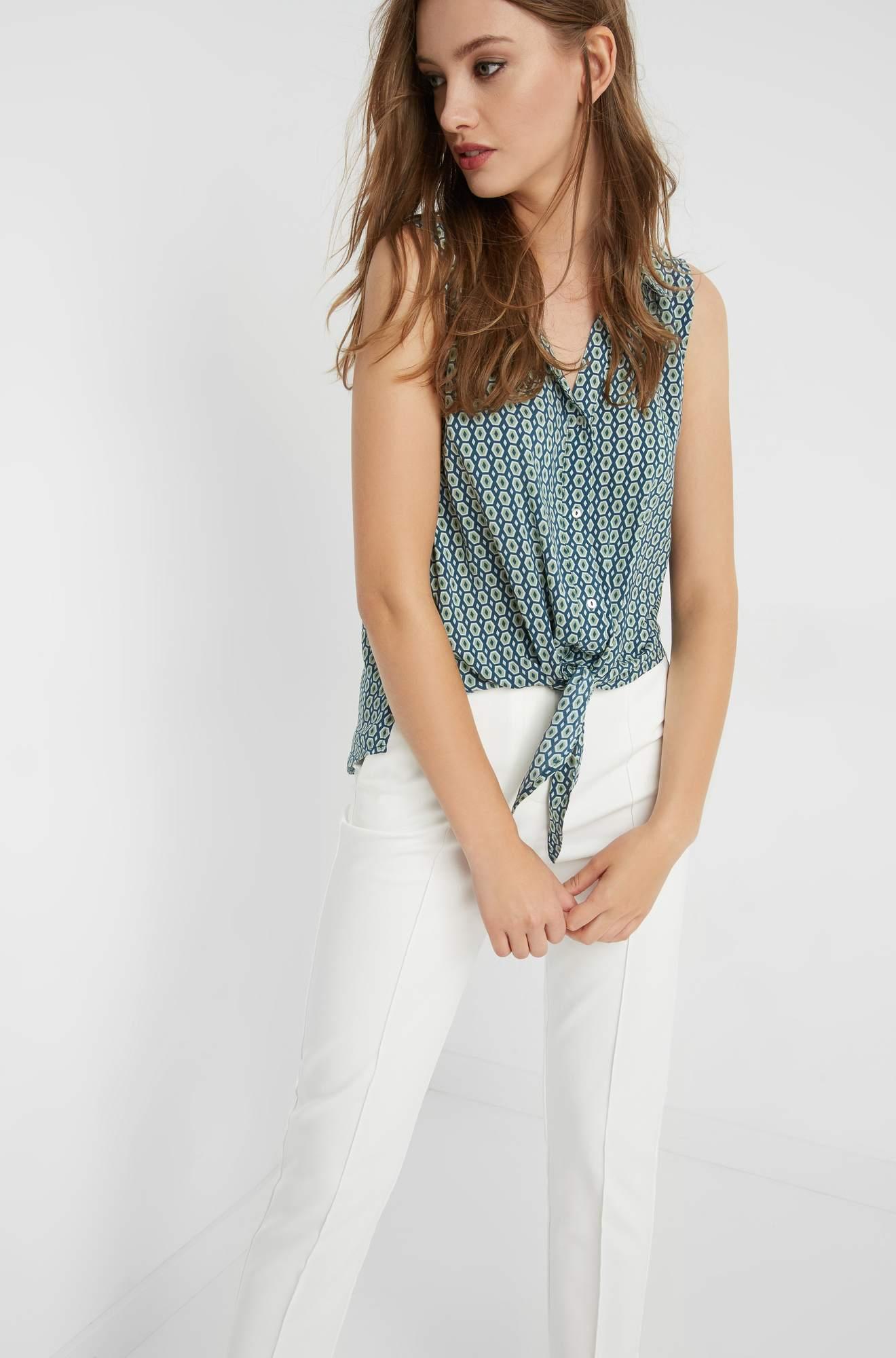 Ärmellose Bluse mit Knotenbindung