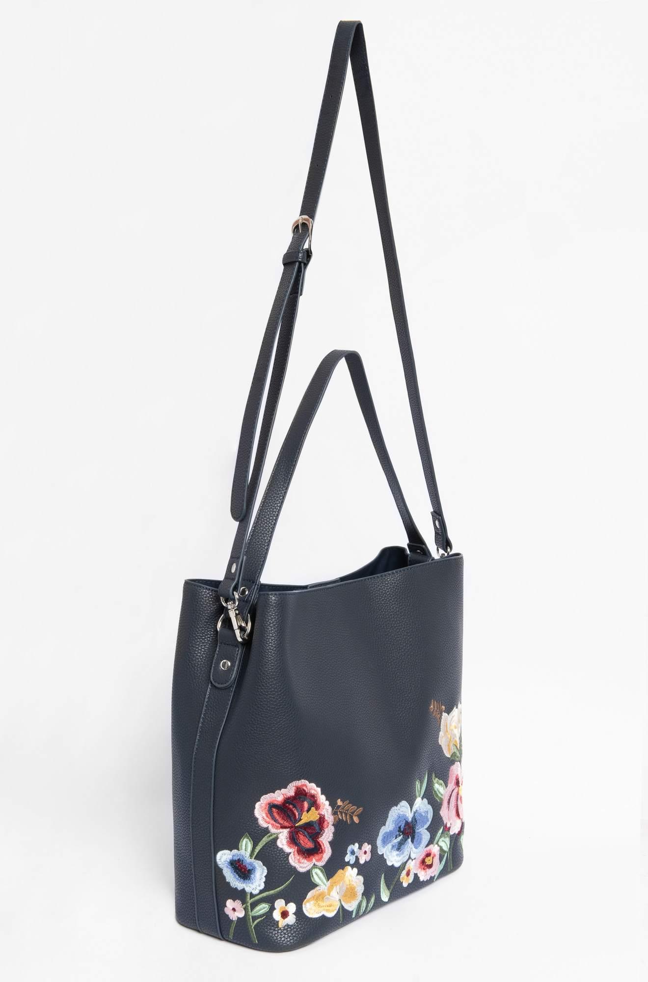 Tasche mit Blumen-Stickerei