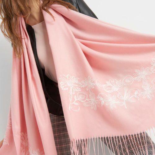 Schal mit Blümchen-Stickerei