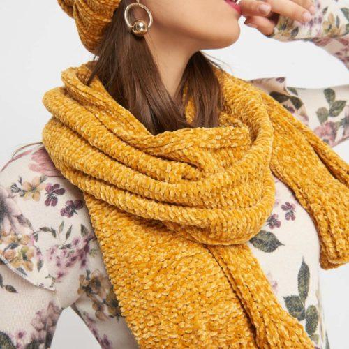 Schal aus Velours